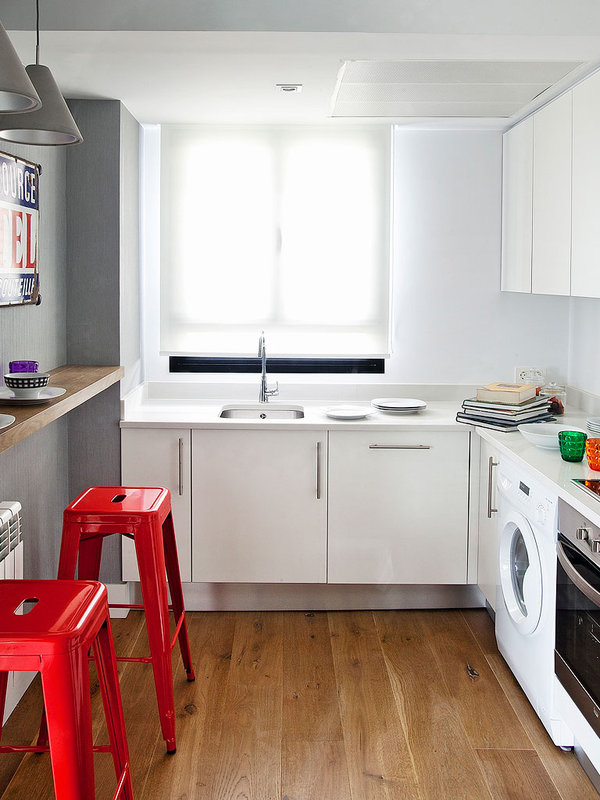 white-kitchen-red-stool-grey-wall