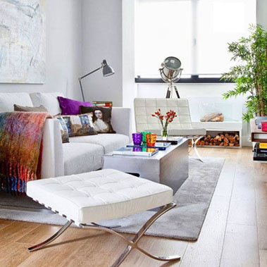 white-sofa-colorful-pillow-living-room