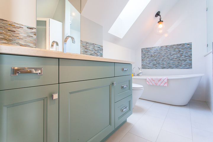 attic-bright-pastel-bathroom