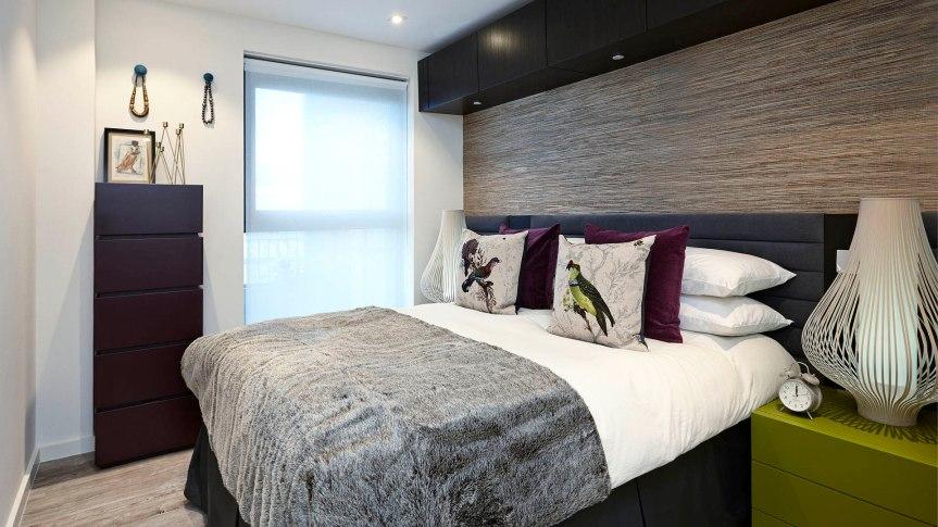 grey_bedroom_birds_pillow