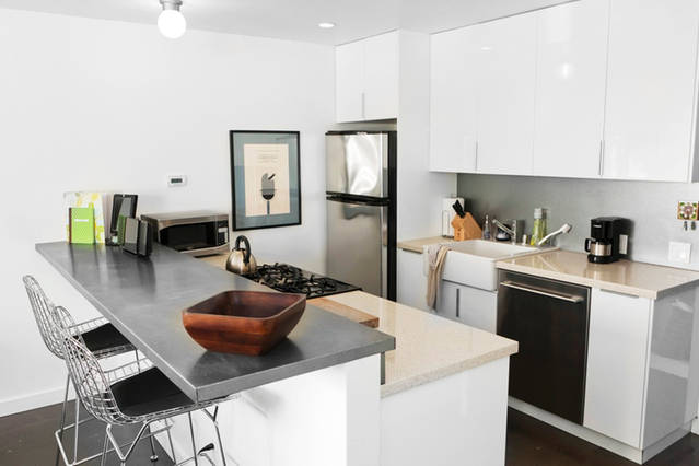 white_contemporary_kitchen_wire_chairs