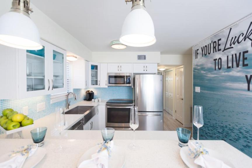 Beachflip_Melissa-Mahdi-Kitchen-After.jpg.