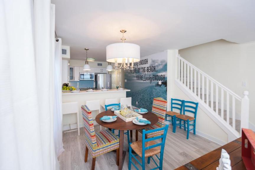Beachflip_Melissa-Mahdi-Kitchen-dining_After.jpg