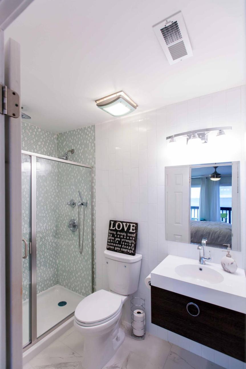 HBCBF106ZH_Melissa-Mahdi-Master-Bath-After4.jpg.rend.hgtvcom.966.1449