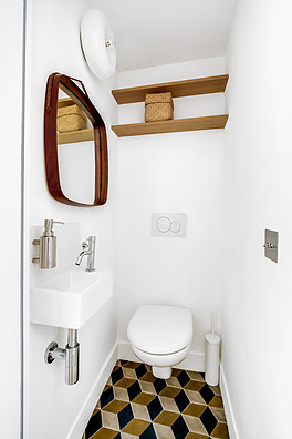 small_powder_room