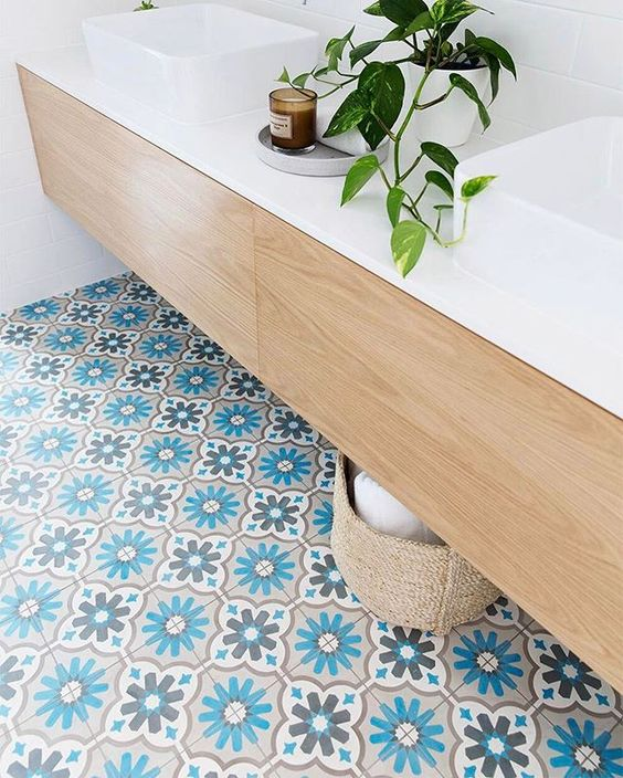 colorful_marocan_tile_bathroom