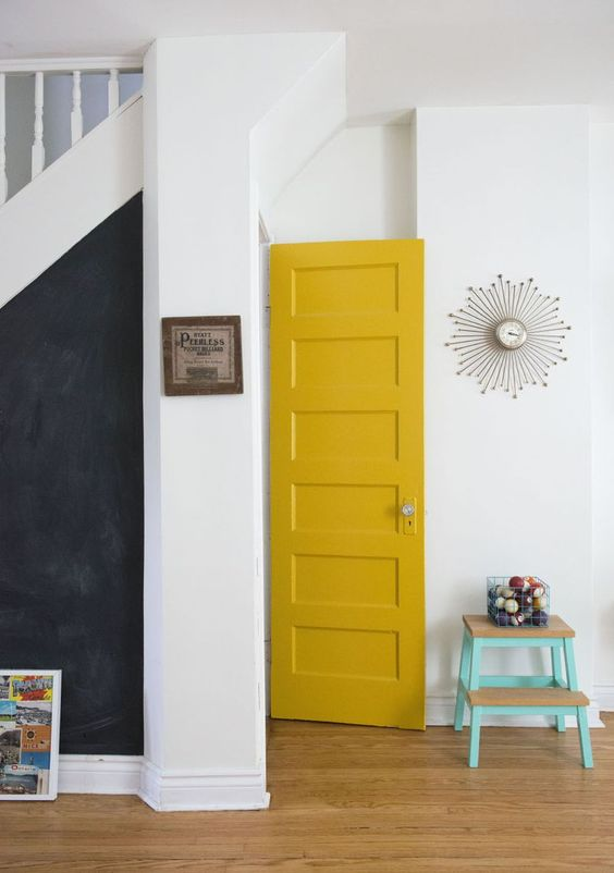 yellow_indoor_door